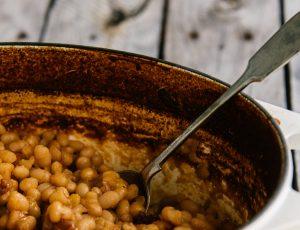 Maple baked beans