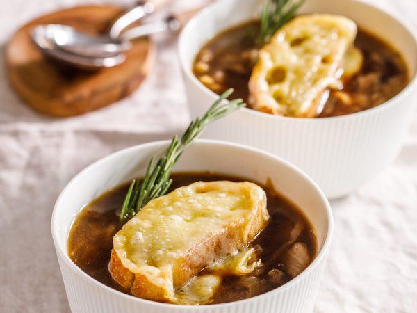 Christmas-leftovers-maple-onion-soup-1.jpg