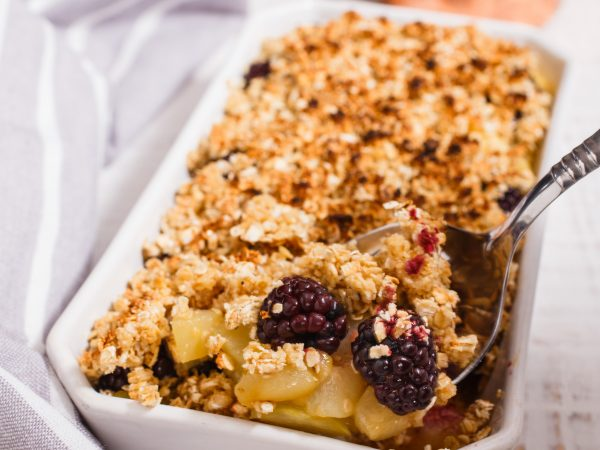Maple-pear-and-blackberry-crumble2.jpg