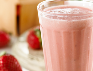Creamy strawberry and maple smoothie