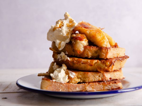 Maple and vanilla French toast with bananas