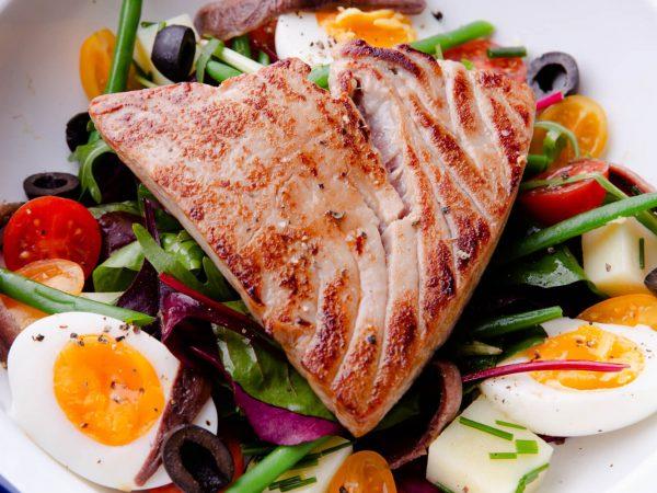 Salad Niçoise with maple