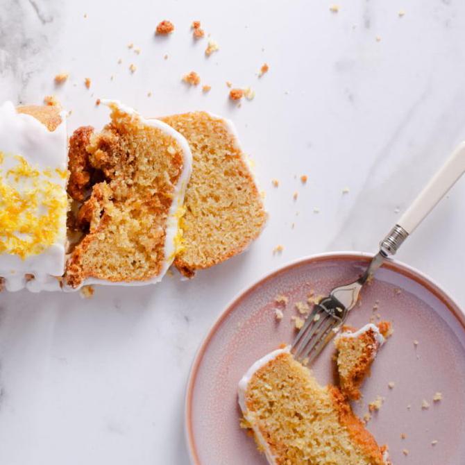 Iced maple lemon cake