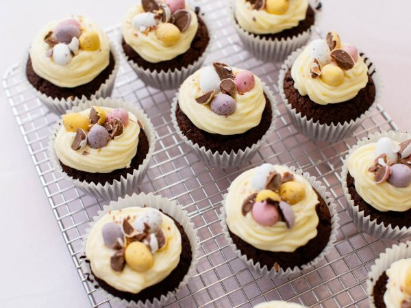 Easter maple cupcakes