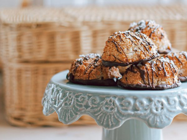 Coconut and maple macaroons